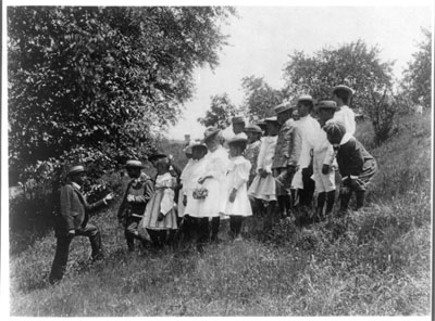 Washington, D.C., children on a field trip, c. 1899. United States Library of Congress/Frances Benjamin Johnston.